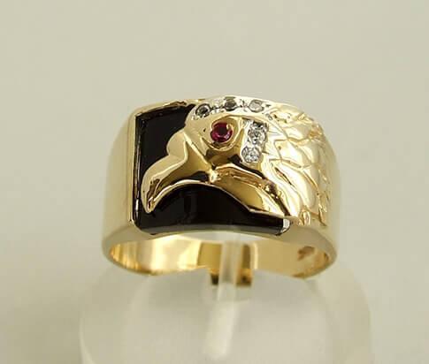 Gouden adelaar diamanten ring met robijn