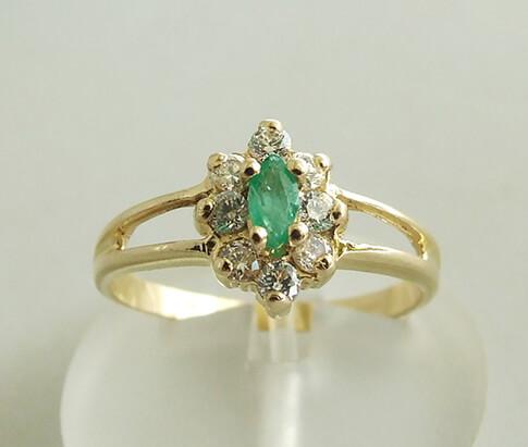Gouden ring met smaragd en zirkonia
