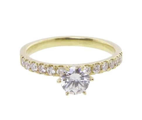 Gouden verlovingsring met diamanten