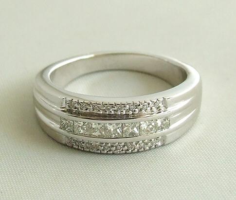 Wit gouden Atelier Christian diamanten ring