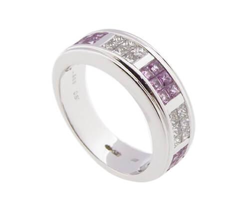 Wit gouden ring met diamanten en roze beryl
