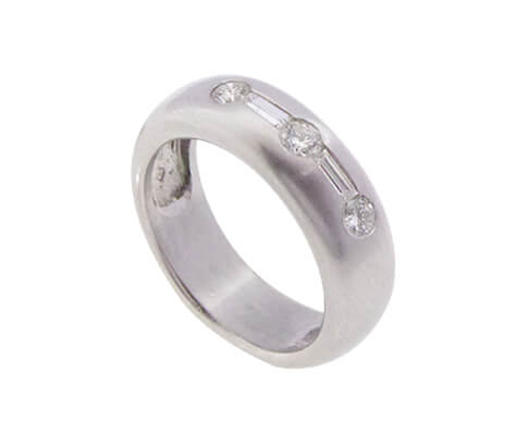 Christian ring wit goud met diamanten