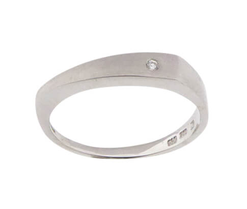 Christian wit goud ring met 1 diamant