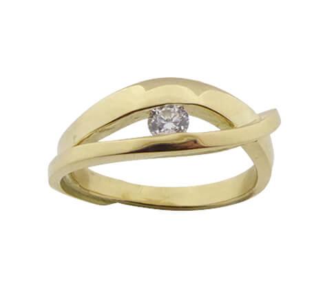 Geel gouden ring met wit diamant