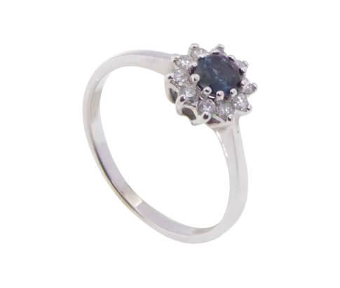 Wit gouden saffieren ring met diamanten
