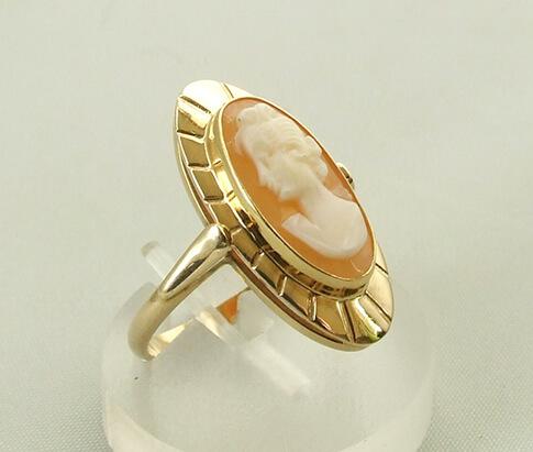 Geel gouden camee ring