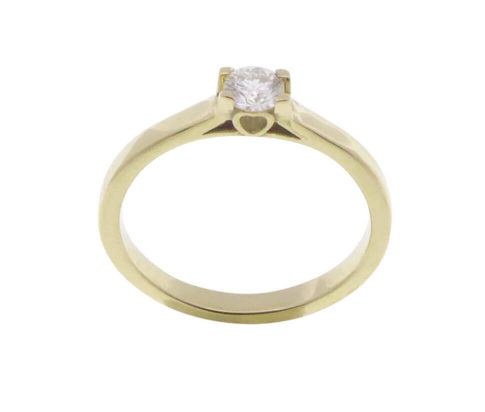 Geel gouden harten ring met diamant