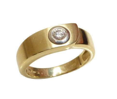 Gouden cachet ring met diamant