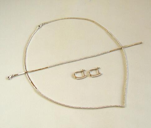 Wit gouden zirkonia collier, armband en oorbellen