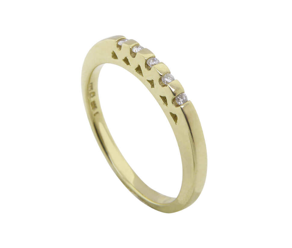 Geel gouden harten briljanten ring