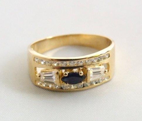 Gouden ring met saffier en zirkonia