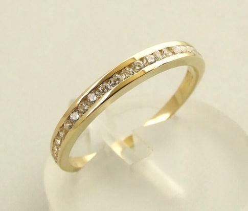 Christian gouden 14 karaat zirkonia ring