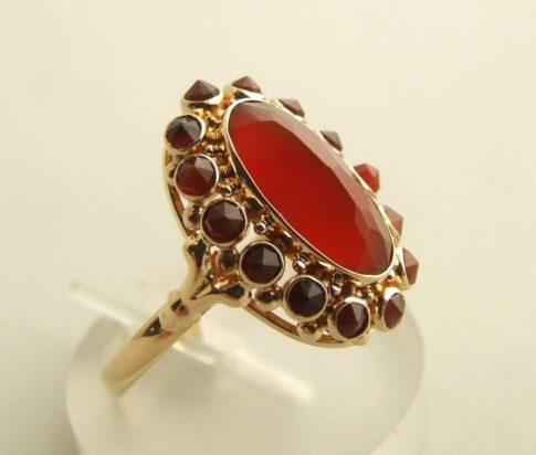 Geel gouden carneool ring