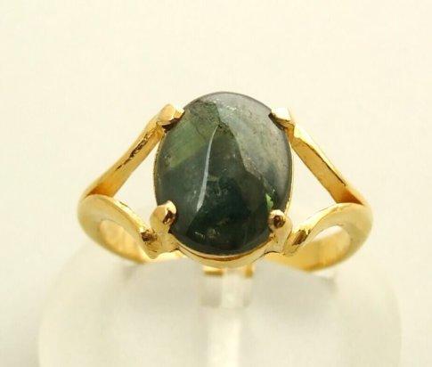 Gouden ring met labradoriet