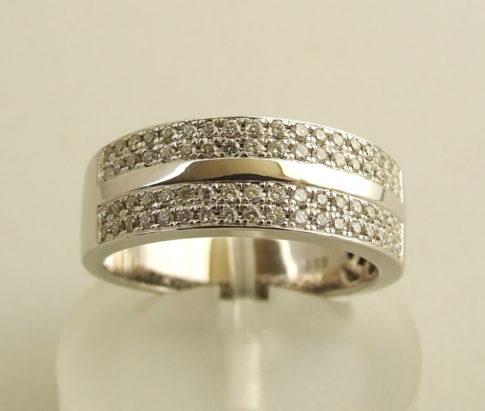 Wit gouden briljanten ring