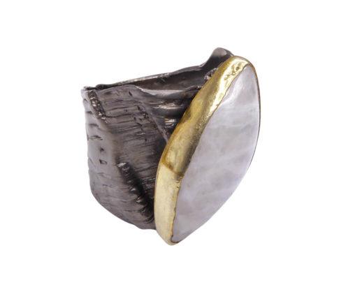 Zilveren ring met labradoriet