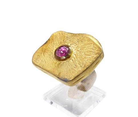 Zilveren ring met paarse toermalijn