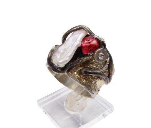 Zilveren ring met parel en rhodoniet