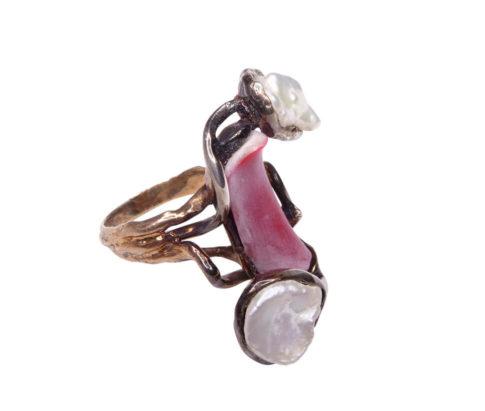 Zilveren ring met parelmoer en koraal