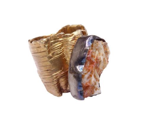 Zilveren ring met ruwe grossulaar