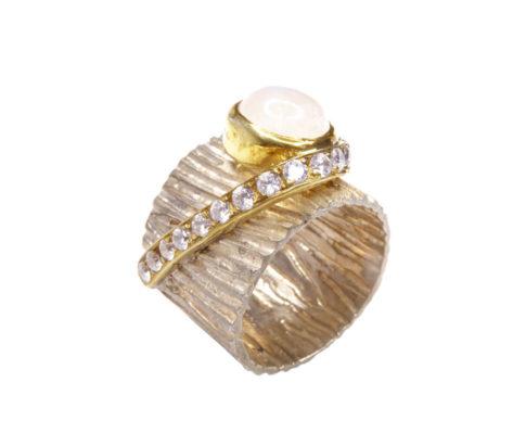 Zilveren ring met witte kwarts
