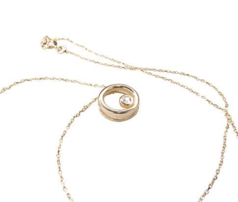 Geel gouden ketting met cirkel hanger