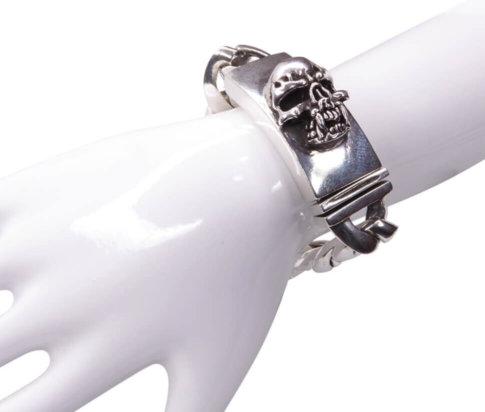 Zilveren armband met doodskop