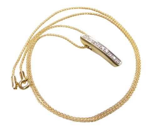 Geel gouden ketting met diamant hanger