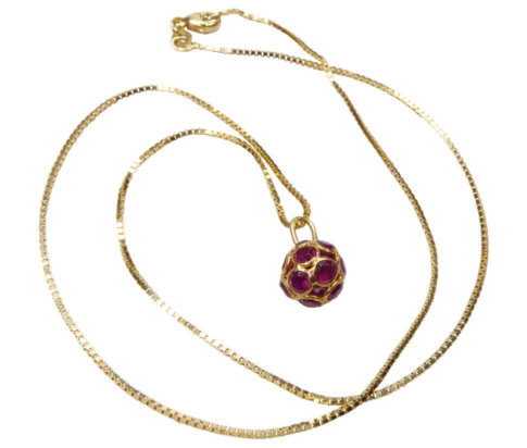 Gouden ketting met robijn hanger
