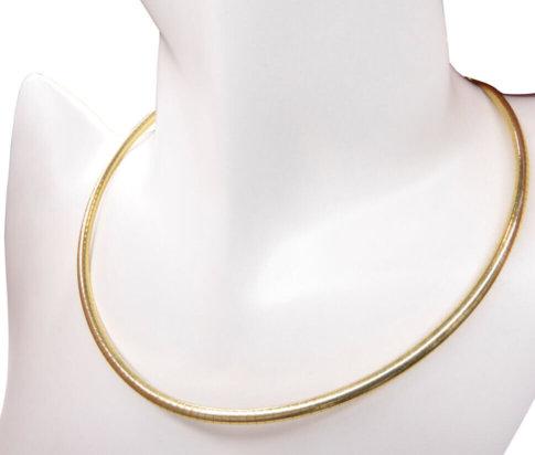Geel gouden omega spang collier