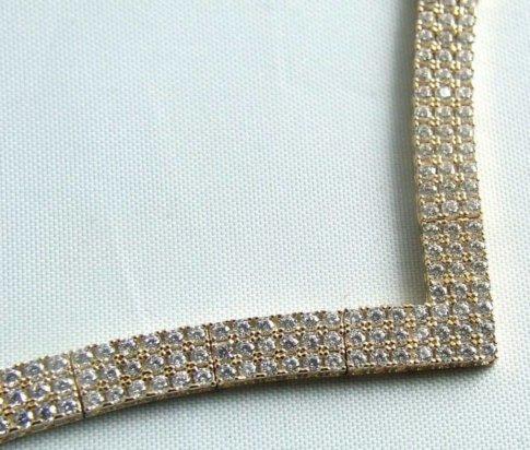Gouden collier met zirkonia