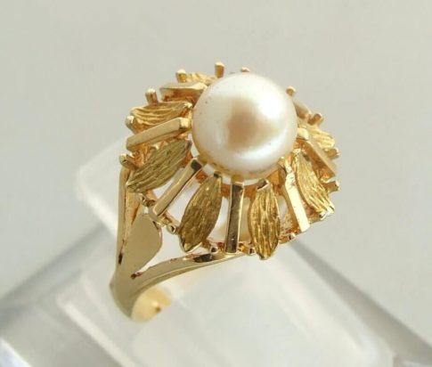 Wit gouden parel ring