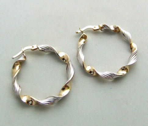 14 karaat Christian bicolor gouden gedraaide oorbellen