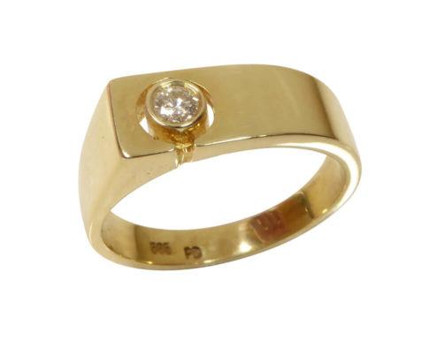 Geel gouden cachet ring met diamant