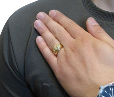 Geel en wit gouden cachet ring met diamant