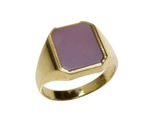 Geel gouden zegelring met roze lagensteen