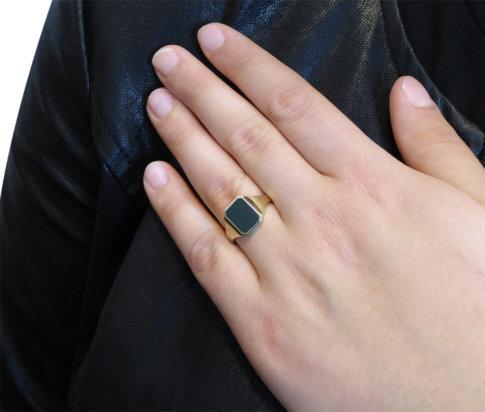 Gouden cachet ring met heliotroop
