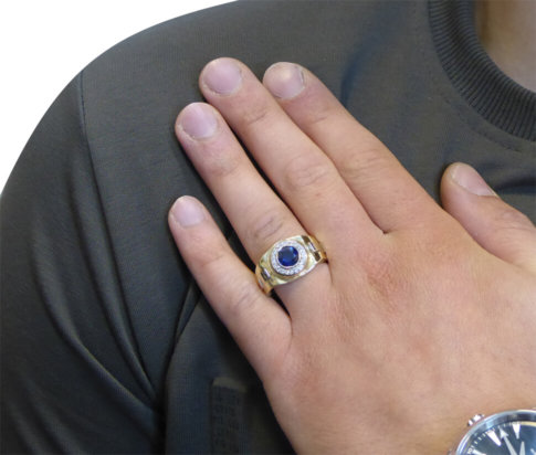 Gouden ring met diamanten en saffier
