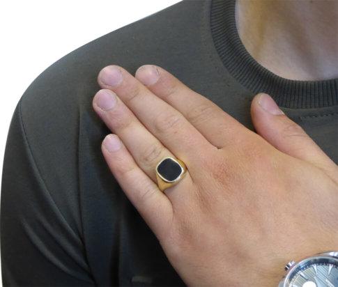 Gouden zegel ring met onyx