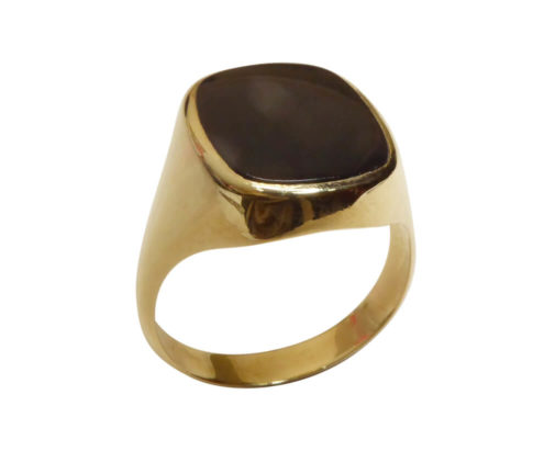 Gouden zwarte lagensteen cachet ring