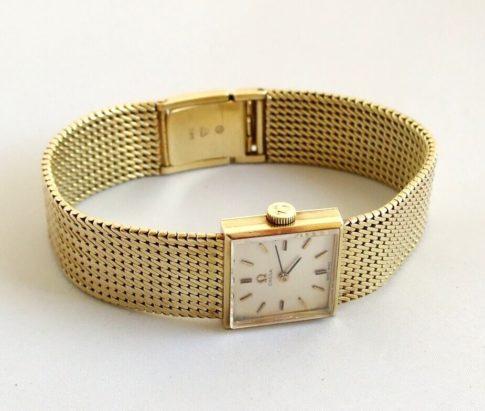 Gouden Omega horloge