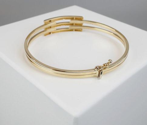 Wit en geel gouden Christian scharnier armband