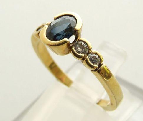 Gouden saffier ring met diamanten