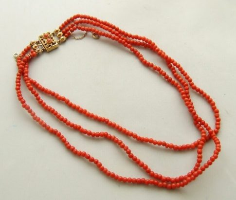 Bloedkoraal collier