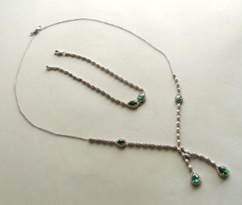 Wit gouden smaragd sieraden set
