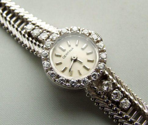 Wit gouden diamanten Certina horloge